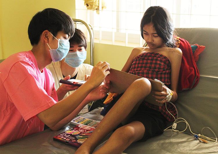 カンボジア 医療 学生 ボランティア