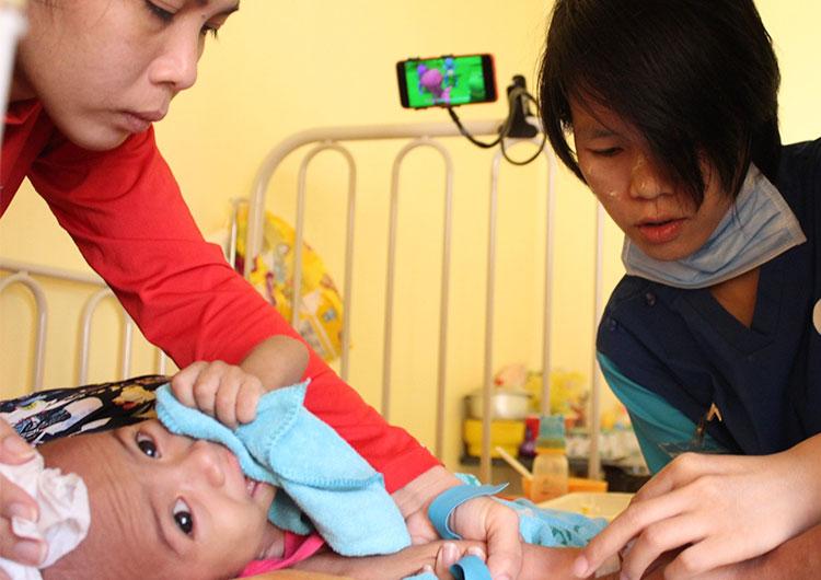 ミャンマー人看護師がカンボジアの病院で学んだこと。